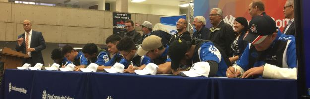 Sunnyside High School automotive technology students take the Pima pledge.